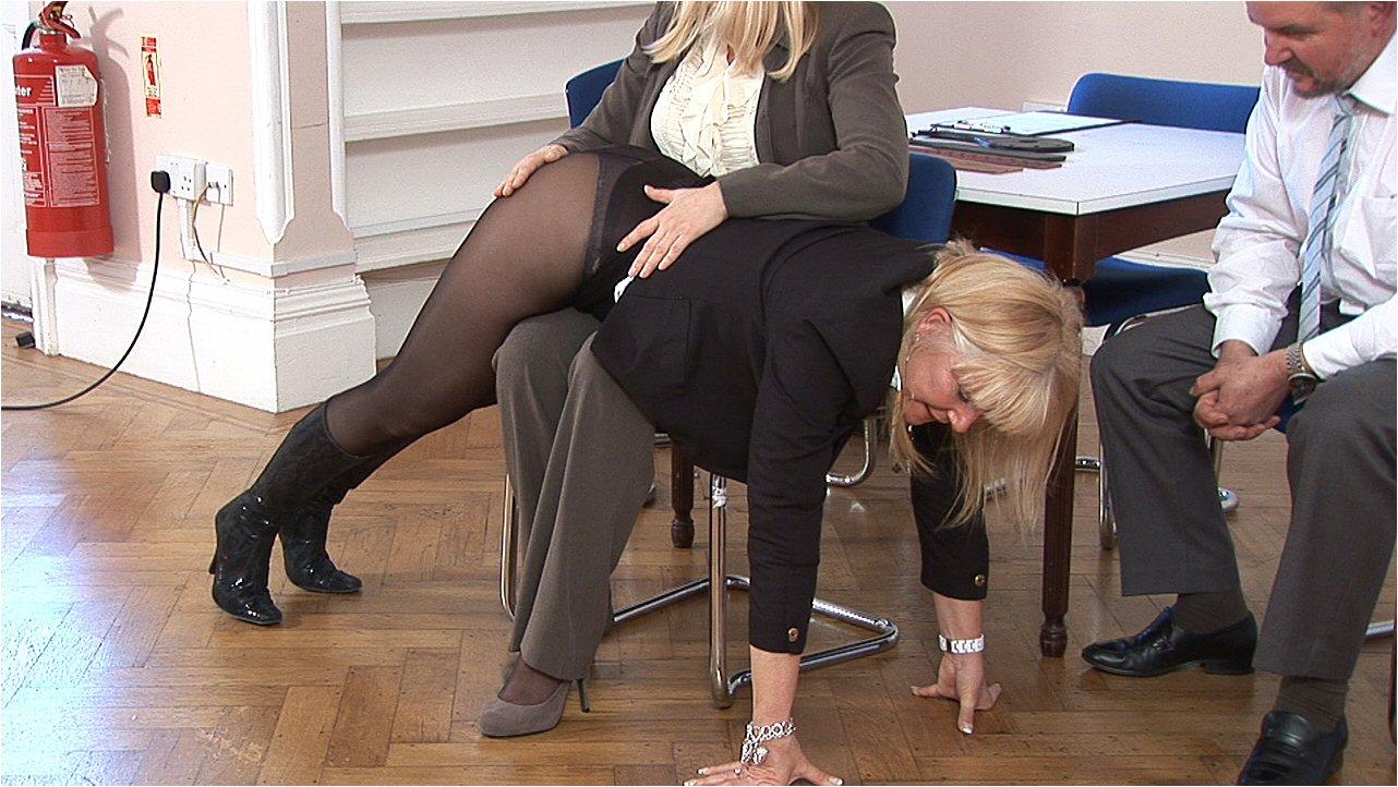 spanking -  www.spankedcheeks.com