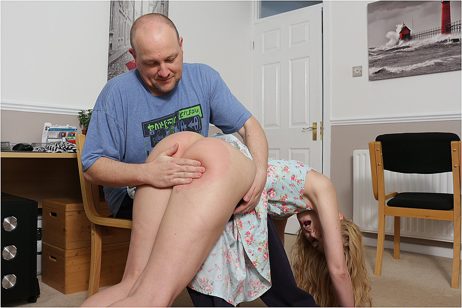 panking www.spankedcheeks.com women spanked